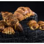 Croissants farcits de frankfurt, bikini, sobrassada i formatge